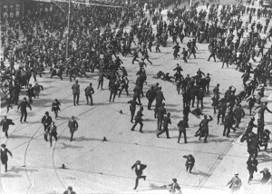 Bloody-Sunday-1913-300x214