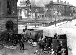 Free State troops fire on the Four Courts, June 1922.