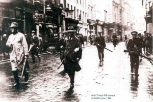 Anti-Treaty IRA fighters in Dublin, June 1922.